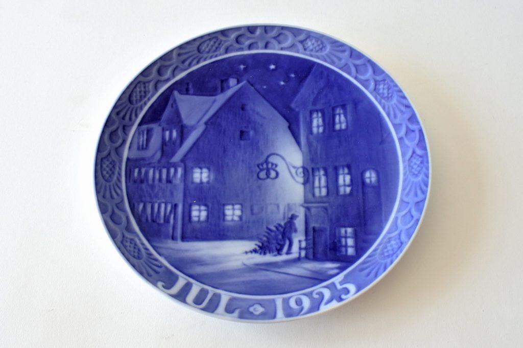 Piatto di Natale in porcellana Royal Copenhagen del 1925