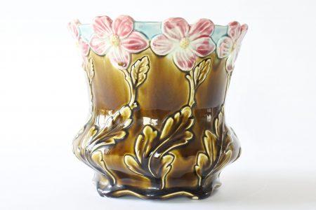 Cache pot De Bruyn Fives Lille in ceramica barbotine con fiori rosa