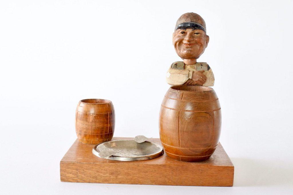 Posacenere vintage con portafiammiferi e portasigarette in legno scolpito